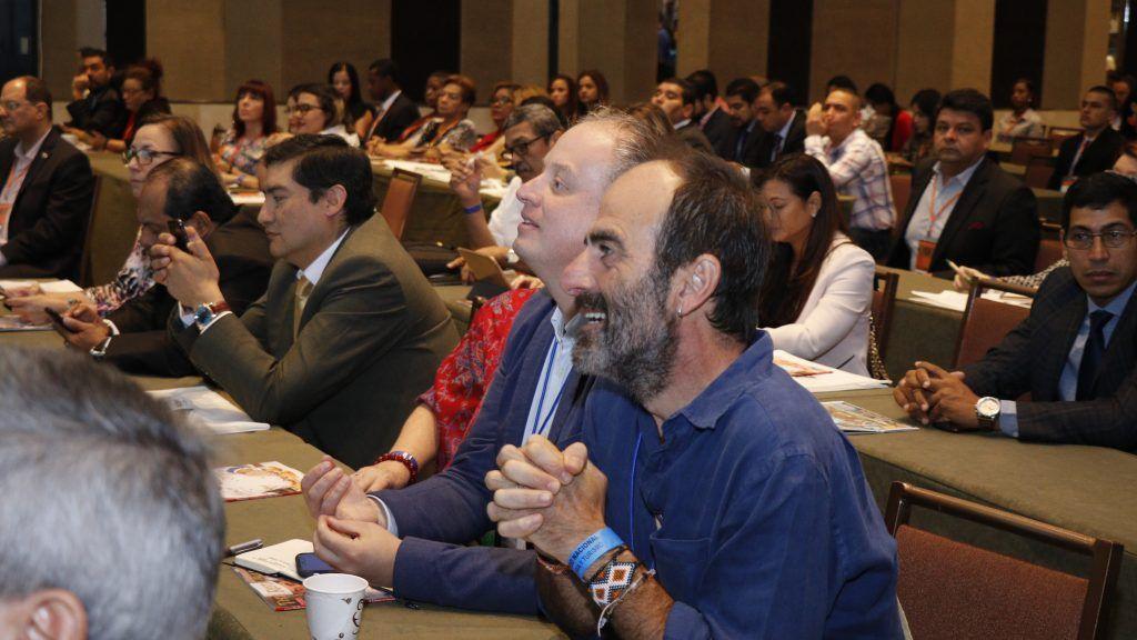Iñigo Maneiro escuchando al director de la ATP en COREHOTU 2019